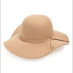 Floppy Hat camel